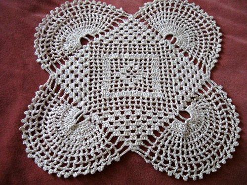 vintage-art-deco-crochet-doily-d024_003