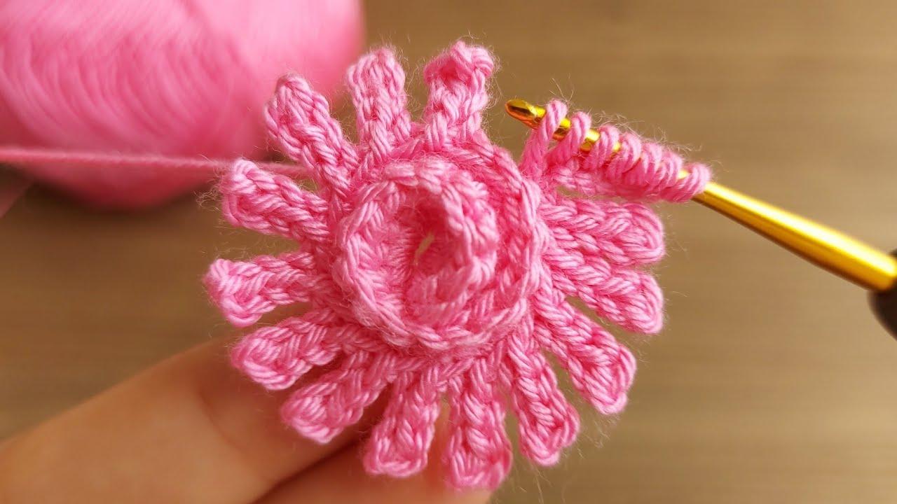 Super Easy Crochet Flower Tutorial